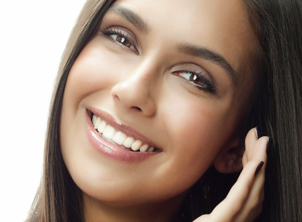 How to learn to smile beautifully with your teeth